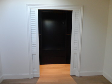 ArredoLegno sas realizza porta ingresso cabina armadio
