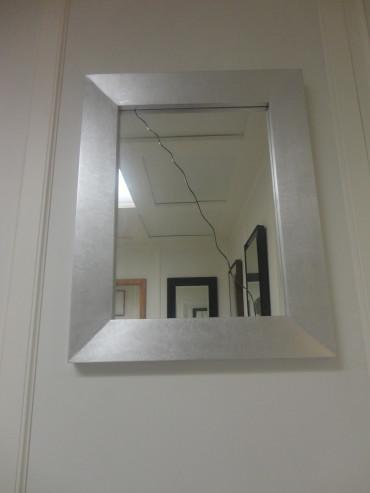ArredoLegno sas realizza specchiere su misura