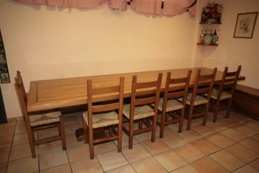 ArredoLegno sas realizza tavolo in massello