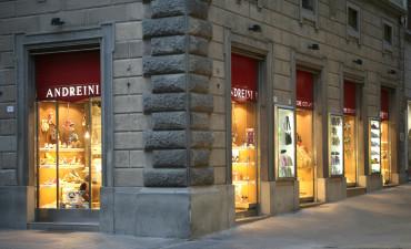 ArredoLegno sas realizza negozio di calzature